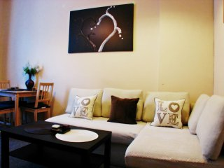 Hot Chocolate apartment in Stare Miasto with WiFi., Cracovia