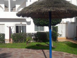 Magnifique duplex ds residence avec piscine au bord de la mer
