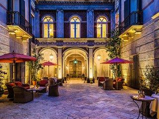 Palazzo Margherita, Sleeps 25, Bernalda