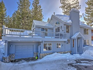 NEW! 3BR Truckee House with Superb Mountain Views!