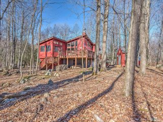 NEW! 3BR Lake Ariel House w/Stunning Nature Views!