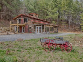 Welcome to Scotch's Barn in the Beautiful North Carolina Mountains -, Waynesville