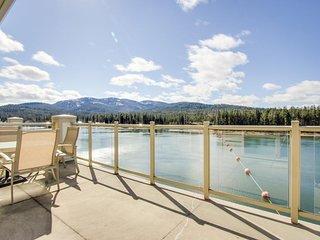 Elegant, waterfront condo overlooking the Spokane River w/ upscale amenities