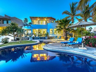 Dream come true - Magnificent ocean views, private pool, steps to the sand