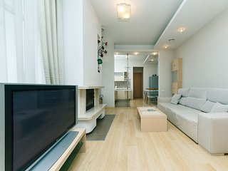 Four-room. VIP. 6 Zankovetskoi str. Near a Kresch