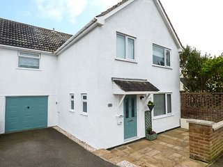 FISTRAL COAST, spacious house near Fistral Beach and walking distance to Newquay