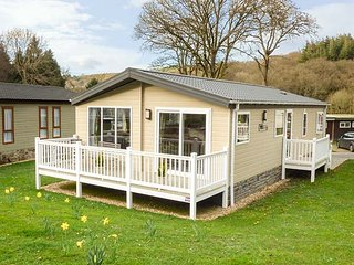 CLEARWATER LODGE, all ground floor, communal grounds, two bedrooms, near New