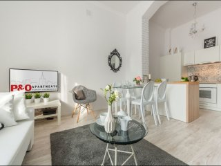 Andersa apartment in Nowe Miasto with WiFi & lift.