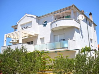 Apartments Divna- One Bedroom Apartment with Terrace and Sea View (Plavi)