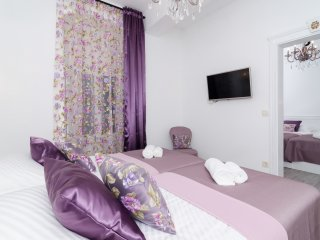 Rooms Sorgo Palace - Luxury Suite Bedroom with City View (Amethyst)