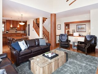 Taluswood Heights #6 | 4 Bed Ski-in-Ski-out Private Hot Tub