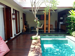 Nyoman 2 Bedroom Villa, Spa + Gym, Jimbaran