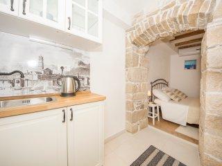 Apartments Stone Elegance- Studio Apartment (Rudula)