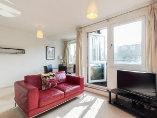 Contemporary 2 bed flat in Marylebone