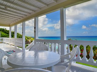Entire Villa With private beach, Lucea