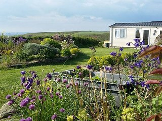 Beautiful Golden Burn Caravan, stunning views over Porthcothan Bay