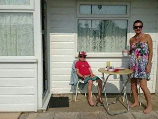 Our Lovely 2 bedroom Chalet on Sunbeach n'r Caister inc entertainment club, pool