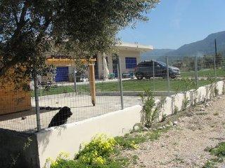 GRECE - ILE DE RHODES - STUDIO DE VACANCES (entièrement équipé) A LOUER, Salakos