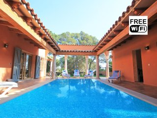 House for rent in 210m from the beaches of Empúries