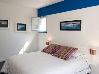 Chambre grand lit avec une baignoire spa, Arcangues