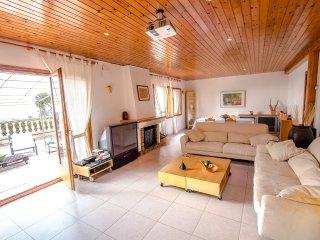 Villa Cebria el Maresme for 9 guests, only 6 minutes to the beach!, Sant Cebria de Vallalta