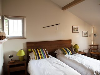 Chambre double ou lits jumeaux a l'etage