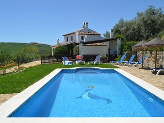 Tranquila casa rural en el centro de Andalucia con piscina privada