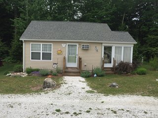 2BR Wells Beach Maine Cottage Immaculate Privacy AC pools gym wifi Beach Dreams