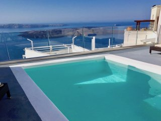 LOCATION LOCATION LOCATION-PRIVATE POOL with views to INFINITY, Imerovigli