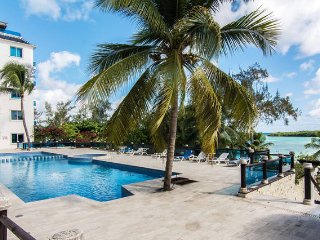 Beach front condo in Boca Chica, Dominican Republic 2/2 + laundry & parking