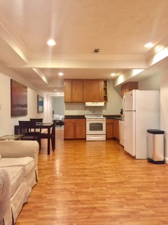 Big 1 Bed 1 Bath Apartment Close to Us Capitol, Bus, metro , Museums and More, Washington D.C.