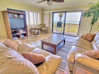 Sea Haven Resort - 212, Oceanfront, 3BR/2.5BTH, Pool, Beach, Saint Augustine