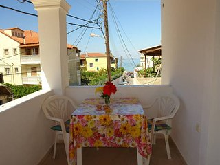 Sea View Apartment for 4-7 people, 50 m from beach, Agios Gordios