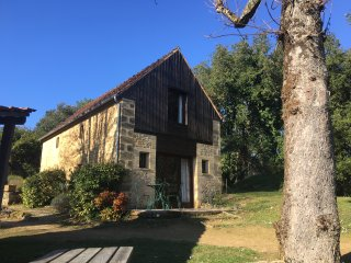 AN IDYLLIC GETAWAY CLOSE TO SARLAT SET IN TRANQUIL WOODLAND