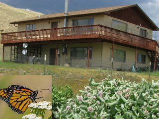 Monarch Garden Inn - Monarchs, Songbirds, Jacuzzi & Close to Chico Hot Springs, Emigrant
