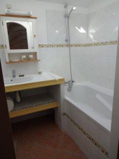 salle de bain chambre 2 bathroom room 2