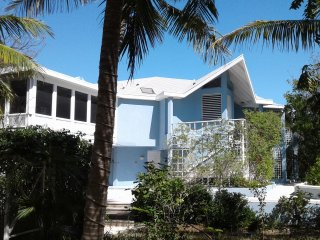 Blue Villa - Relax On Grace Bay Beach
