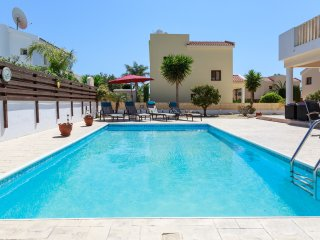 Villa Honey Corner - Spacious 2 Bedroom Villa with Private Pool -  DISCOUNTED!!