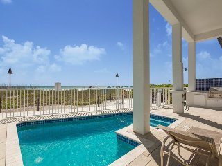 The Pearl. Gulf Front, Custom Designed Beach House with Private Pool and Top of, Fort Myers Beach