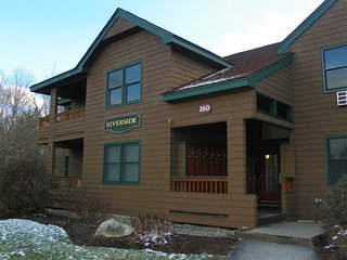 2 Bedrm Deer Park Vacation Rental with free shuttle to Loon Ski Resort