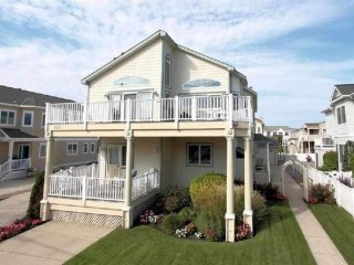 5th House from Beach, 86th Street, Brand New Pool Installed Spring 2017, Stone Harbor