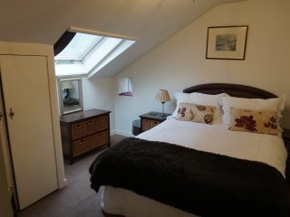 Cosy comfy top floor flat in traditional building