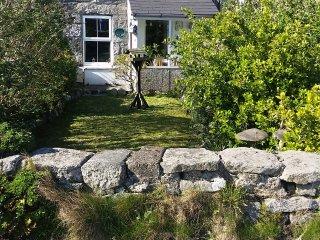Robins Rest - Delightful 2 bedroom cottage  -  MINIMUM BOOKING 7 DAYS