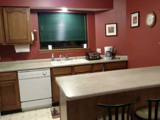 Close to the thrilling WI Dells attractions/nestled in the woods. Family Fun, Lake Delton