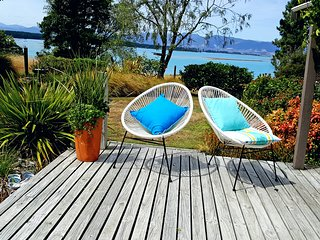 Bronte Tides Cottage, Mapua - Stunning sea & mountain views