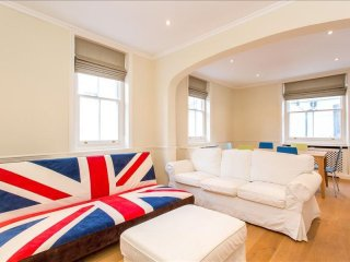 Cornwall Gardens apartment in Kensington & Chelsea with WiFi, London