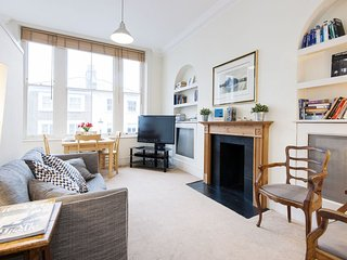 Stratford Road Pied-a-terre apartment in Kensington & Chelsea with WiFi.