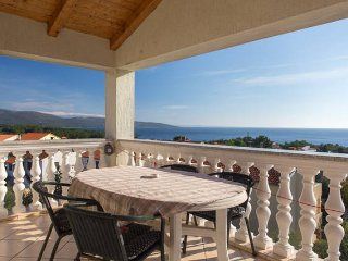 Apartment with beautiful sea view, Krk