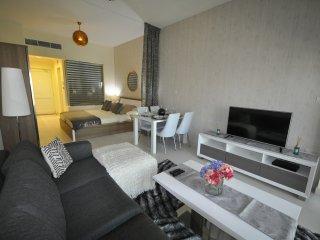 Studio Apartment - Palm Views - The Palm, Jumeirah, Dubai