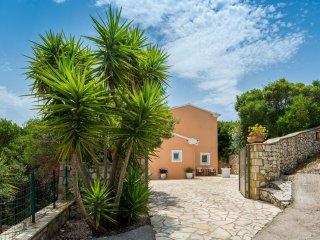 Private driveway and entrance to Villa Despina
